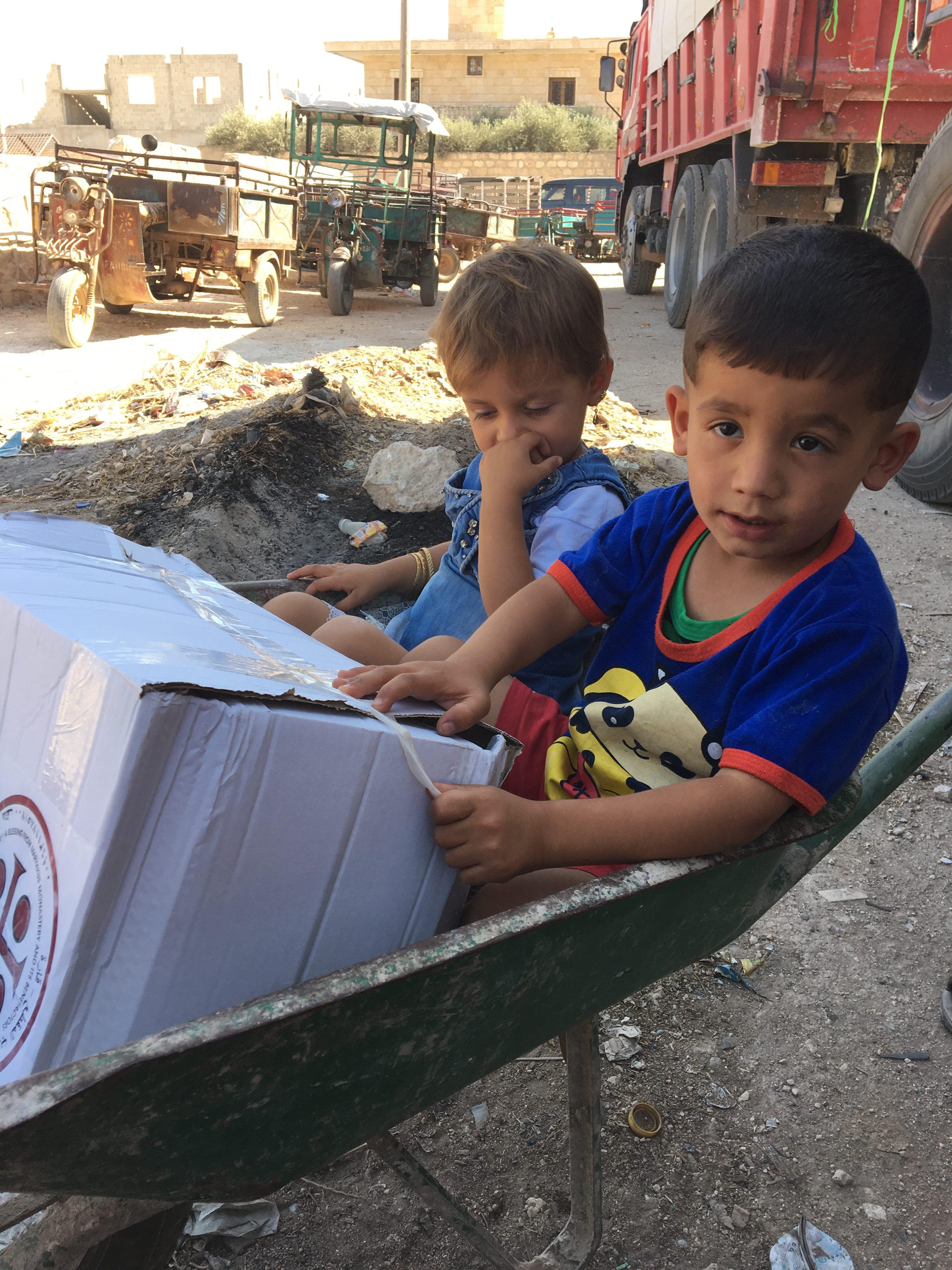 Distribution de 3000 colis-repas